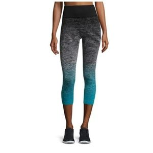 EUC MARIKA Blue Ombre Stripe Seamless Legging